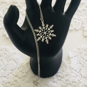 Silver snowflake necklace, EUC